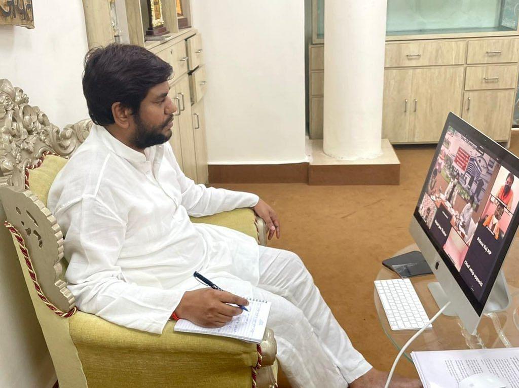 VIP विधायक ने तरेरी आंख तो, नरम पड़े मंत्री मुकेश सहनी! कहा- 'थोड़ा इश्यू, बैठकर सुलझा लेंगे'