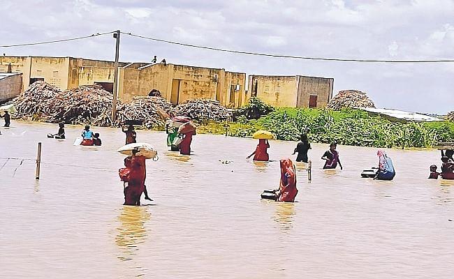 Bihar Flood: गंगा, कोसी और बरंडी नदी के बढ़ते जलस्तर से दशहत का माहौल, कटिहार में कटाव बनी मुसीबत