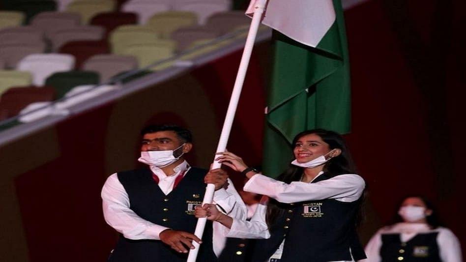 Tokyo Olympic के ओपनिंग सेरिमनी में पाकिस्तानी खिलाड़ियों ने की ऐसी हरकत कि हर तरफ होने लगी आलोचना
