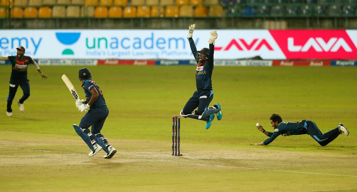 SL vs IND : बर्थडे ब्वॉय हसरंगा के सामने बेरंग हुई टीम इंडिया, रन के लिए तरसे भारतीय शेर