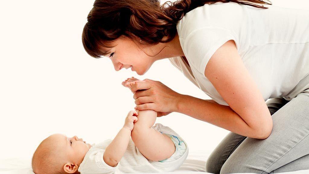 Monsoon Health Tips: इस मॉनसून नवजात शिशुओं को ऐसे बचाएं बीमारियों से, जानें उनके त्वचा की कैसे करें देखभाल