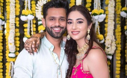 राहुल वैद्य ने बताया शादी के बाद कैसी थी उनकी पहली रात? दिशा परमार ने दिया ऐसा रिएक्शन, यहां देखें VIDEO