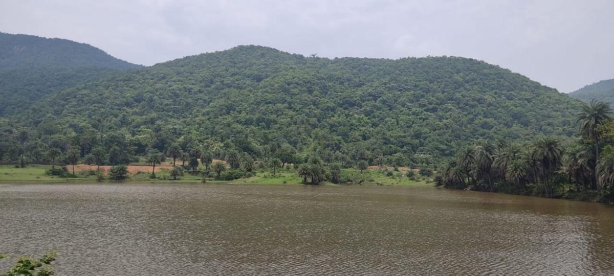 पहाड़ों और हरियाली की गोद में बसे टुंडी की खूबसूरती कश्मीर से कम नहीं, देखिए PICS