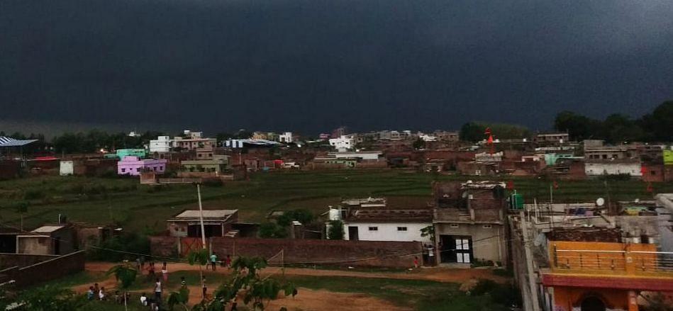 Jharkhand Weather Forecast : झारखंड में रांची समेत इन जिलों में कब होगी भारी बारिश, वज्रपात की भी है आशंका, येलो अलर्ट जारी