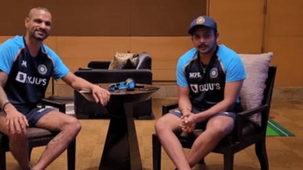 India Tour of Sri Lanka: कैमरे पर ही आपस में 'भिड़े' धवन और पृथ्वी शॉ, इस गेम में हुई मजेदार लड़ाई, BCCI ने शेयर किया वीडियो