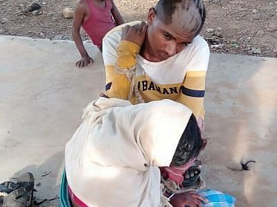 झारखंड में नाबालिग प्रेमी जोड़े का मुंडवाया सिर, जूते की माला पहनाकर घुमाया पूरा गांव, वीडियो VIRAL