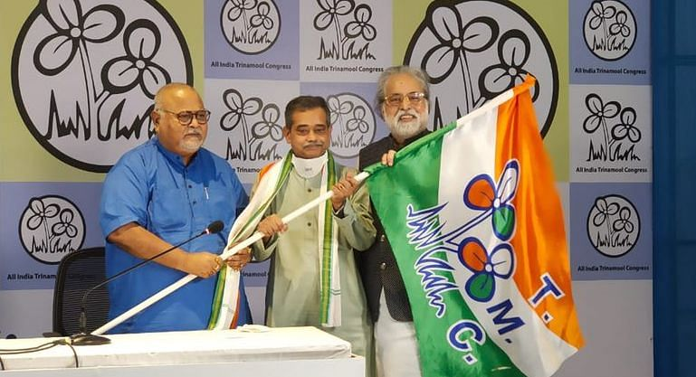 प्रणब मुखर्जी के बेटे अभिजीत मुखर्जी कांग्रेस छोड़ तृणमूल कांग्रेस में शामिल हुए