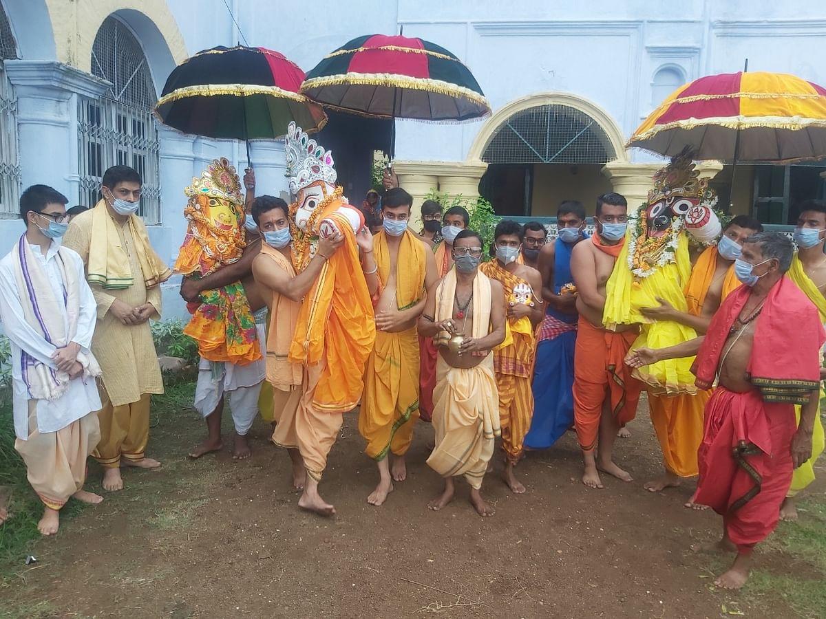 Jagannath Rath Yatra 2021 : झारखंड में रथ यात्रा पर कोरोना का साया, सादगी से हुई भगवान जगन्नाथ की पूजा