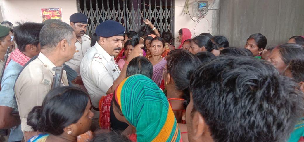 Bihar News: बिहार में ट्रस्ट बनाकर लोगों से वसूली करोड़ों की राशि, Lockdown में कंपनी हुई फरार, हंगामा
