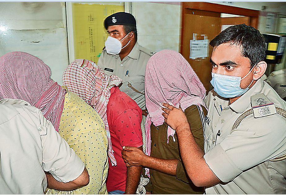 Jharkhand: विधायक खरीदने निकले मजदूर और फल विक्रेता, दो लाख बरामद, तीन गिरफ्तार