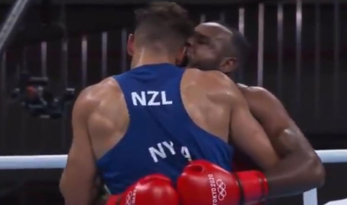 Tokyo Olympics में शर्मनाक घटना, प्रतिद्वंद्वी को मुक्का मार न सका मोरक्को का बॉक्सर, कान काटने का किया प्रयास