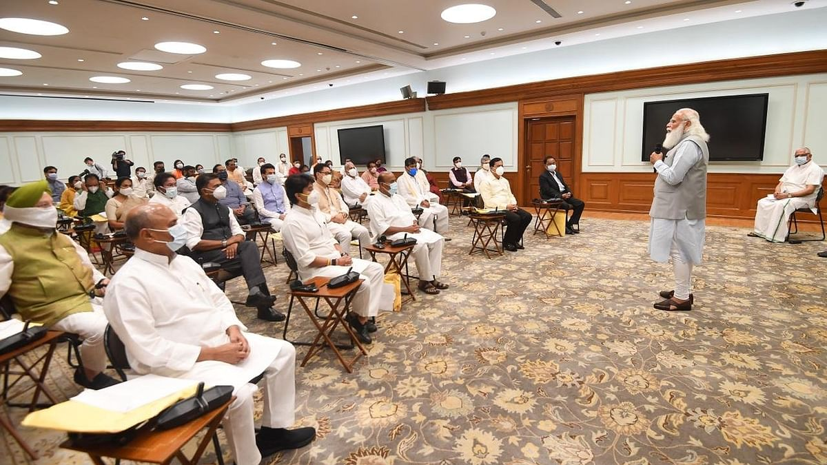 Modi New Cabinet: मोदी कैबिनेट के करोड़पति मंत्रियों में सबसे पहले नंबर पर सिंधिया, जानें सबसे गरीब कौन