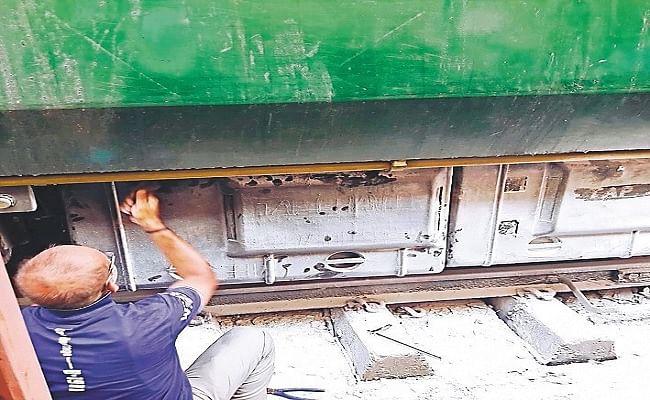 बिहार: चलती ट्रेन में धमाके से यात्रियों में हड़कंप, धुएं से भर गयी बोगी, जानिए पूरा मामला