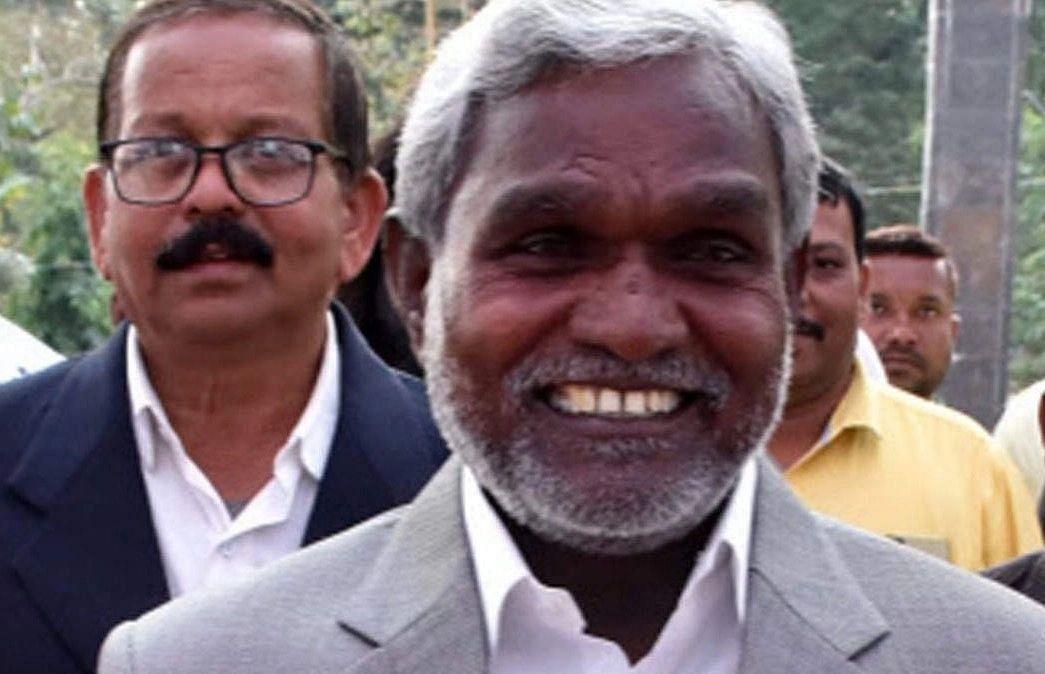 प्रभात खबर का हुआ असर, मंत्री चंपई सोरेन ने दिया आइइडी ब्लास्ट में घायल महेंद्र के इलाज कराने का निर्देश