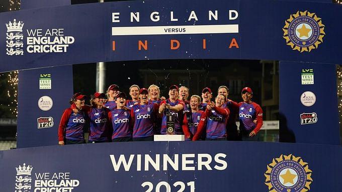 डेनियल वेट के आतिशी पारी से बिखर गयी टीम इंडिया, इंग्लैंड से मैच के साथ सीरीज भी गंवाया