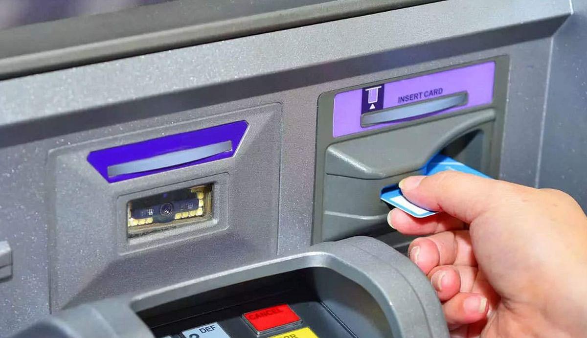 1 Aug के बाद आपको एटीएम से पैसा निकालना पड़ेगा भारी, डेबिट-क्रेडिट कार्ड का यूज होगा महंगा, जानिए कैसे?