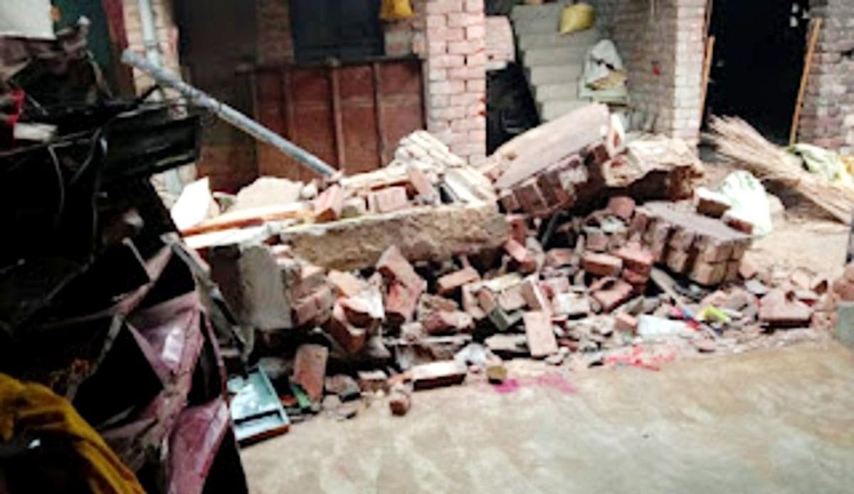 बर्दवान : बम विस्फोट से मकान ध्वस्त, घर के लोग फरार, इलाके में दहशत