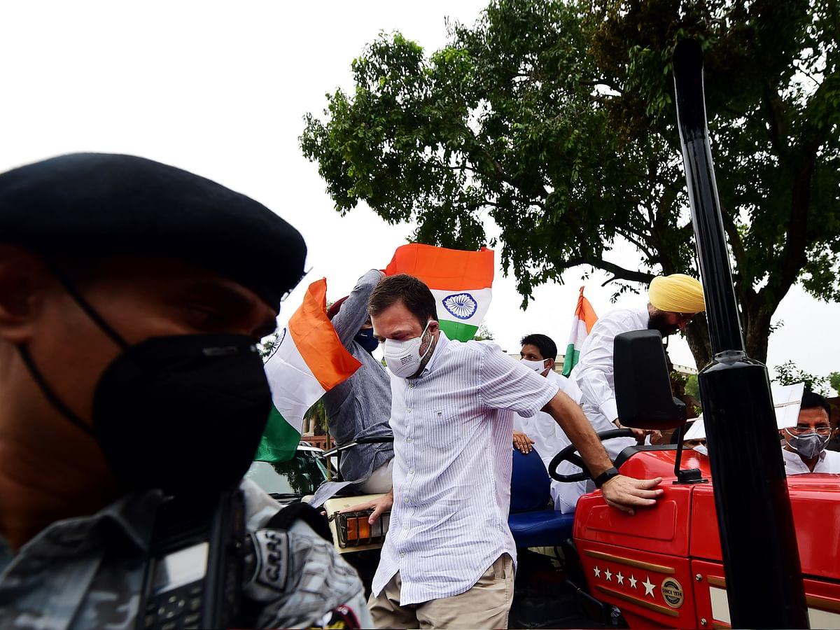 राकेश टिकैत के फुल सपोर्ट में राहुल गांधी? ट्रैक्टर से पहुंचे संसद, कहा-मोदी सरकार किसानों को ना दबाये