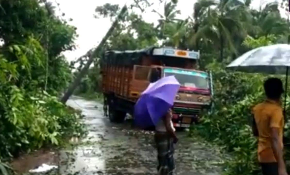 Bengal Weather Report: डायमंड हार्बर और हिंगलगंज में तबाही, दक्षिण 24 परगना में 2 की मौत