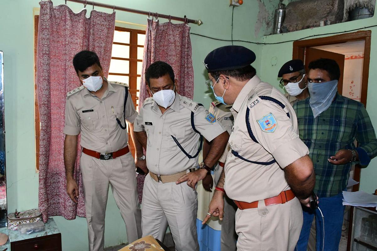 Jharkhand Crime News : झारखंड में बुजुर्ग ने की पत्नी की हत्या, फिर सुसाइड का किया प्रयास, अस्पताल में भर्ती
