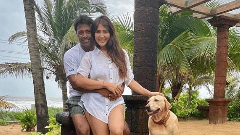 युवराज सिंह की एक्स गर्लफ्रेंड को डेट कर रहे लिएंडर पेस! गोवा में एकसाथ छुट्टियां मनाते तसवीरें हुईं वायरल