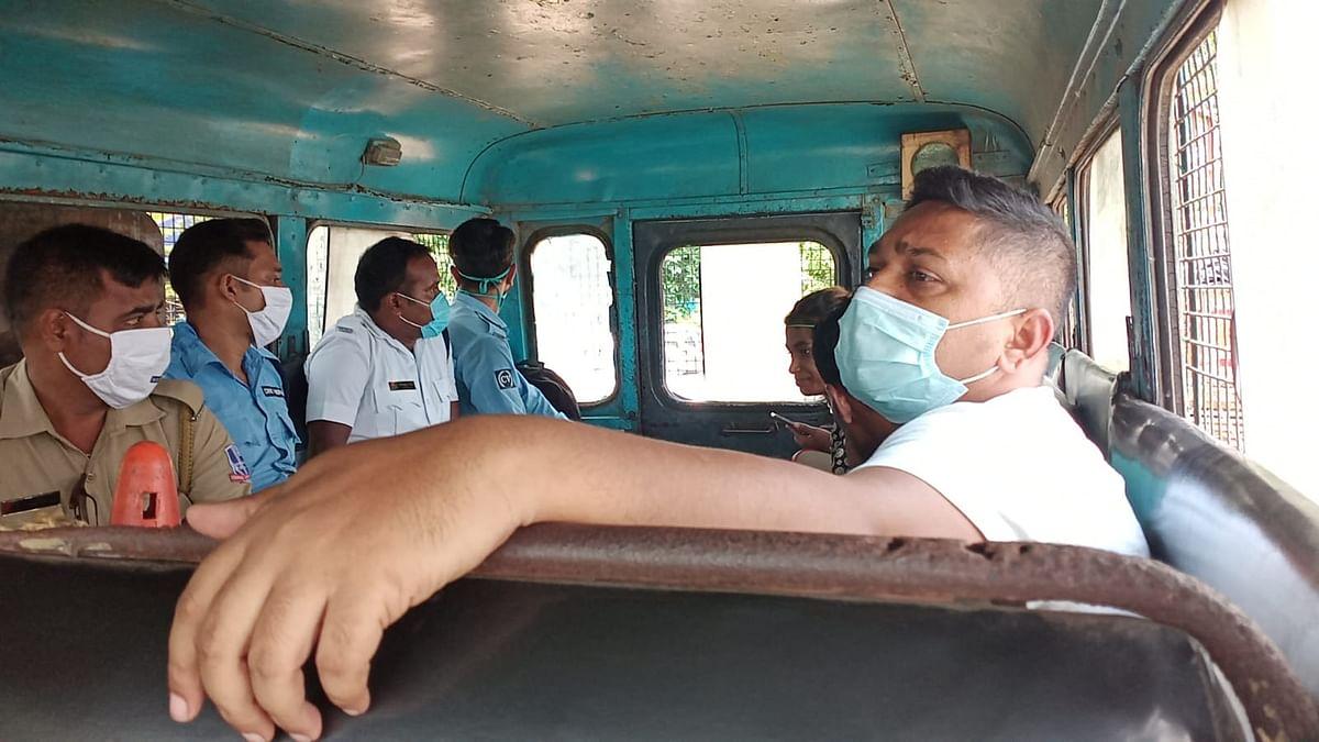 नौकरी के नाम पर ठगी करने वाले राजेश की गाड़ी भी पुलिस ने की जब्त