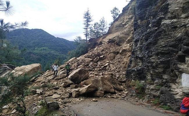 हिमाचल प्रदेश में भूस्खलन, NH-3 बंद, मंडी-कुल्लू और मंडी-कटौला मार्ग ब्लॉक