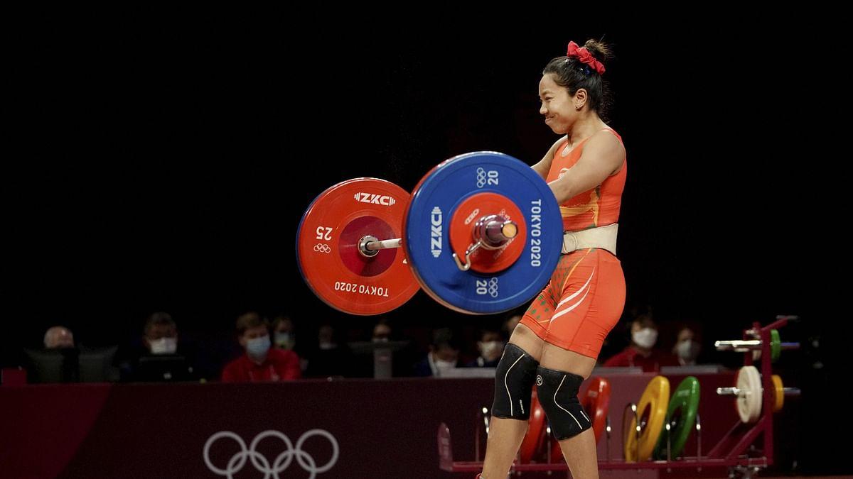 Tokyo Olympics 2020 : मीराबाई चानू ने मां के इस खास तोहफे से जीता मेडल, ज्वेलरी बेचकर किया था गिफ्ट