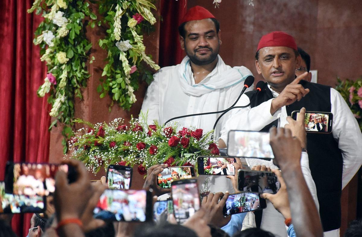 CM योगी के दिल्ली दौरे पर अखिलेश ने कसा तंज, कहा- बेरोजगार युवाओं को अयोग्य कहने वाले खुद देंगे 'इंटरव्यू'