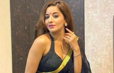 Bigg Boss fame Monalisa's desi style in a black saree