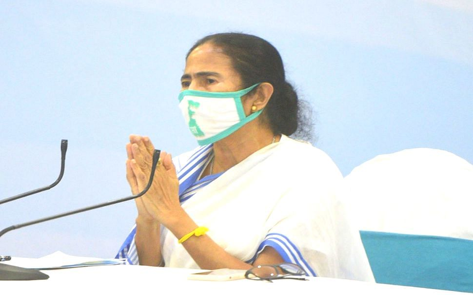 ममता बनर्जी ने की सात सीटों पर जल्द उपचुनाव की मांग, राज्य में कोरोना संकट नियंत्रित होने का दिया हवाला