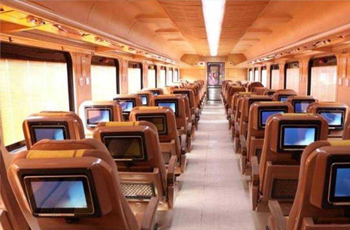 IRCTC Resume Tejas Express Trains :  तेजस का परिचालन शुरू, जानें किस रूट पर चलेगी, टिकट पर शानदार ऑफर