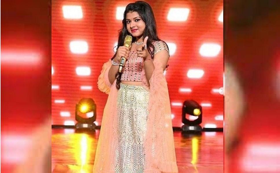 Indian Idol 12 फेम Arunita Kanjilal की तसवीरें सोशल मीडिया पर हो रही है Viral, ये सिंगर हैं काफी हसीन