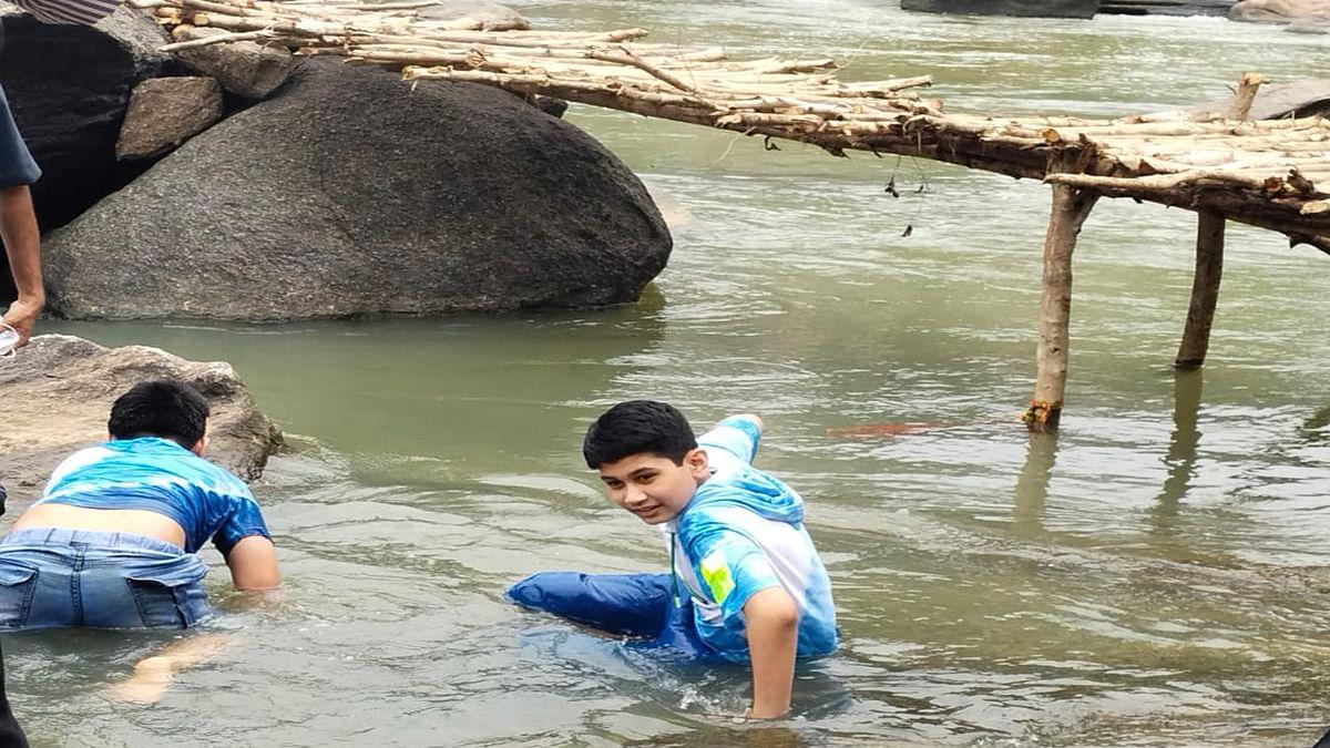 राज्यपाल रमेश बैस के साथ आये बच्चों ने खूब की मस्ती.