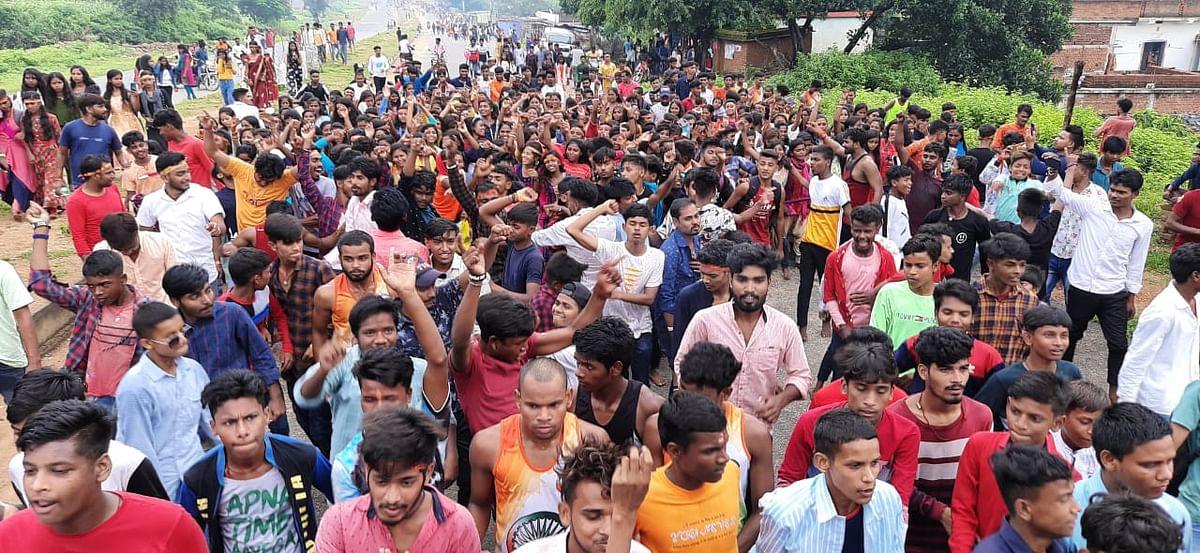 Sawan Somvar : Corona पर भारी आस्था, Sawan की आखिरी सोमवारी पर Rajrappa Temple में उमड़े श्रद्धालु