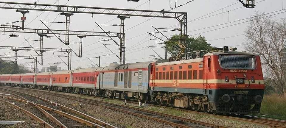 Indian Railway: त्योहार को देखते हुए रेलवे का बड़ा फैसला, बिहार आनेवाली इन ट्रेनों के परिचालन में किया विस्तार