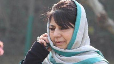 महबूबा ने पूछा- पाकिस्तान की जीत पर जश्न मनाने के लिए कश्मीरियों के खिलाफ गुस्सा क्यों? उमर ने कही ये बात