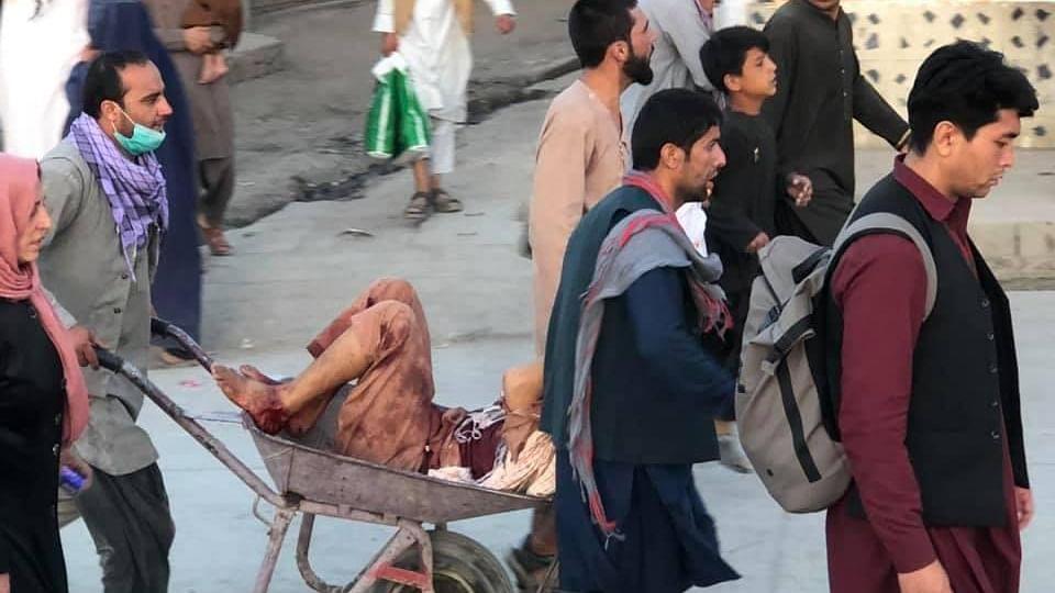 काबुल एयरपोर्ट के बाहर सीरियल ब्लास्ट, 13 की मौत, अबतक 60 घायल अस्पताल लाये गये