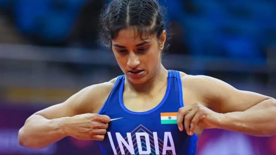 Tokyo Olympics LIVE: कुश्ती में भारत को लगा बड़ा झटका, वर्ल्ड नंबर 1 विनेश फोगाट हारीं