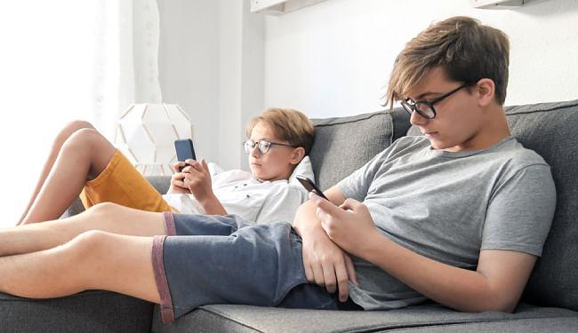 बच्चों और किशोरों को ऑनलाइन सुरक्षित करेगा गूगल, नाबालिगों की तस्वीरों को गूगल सर्च से हटा सकेंगे