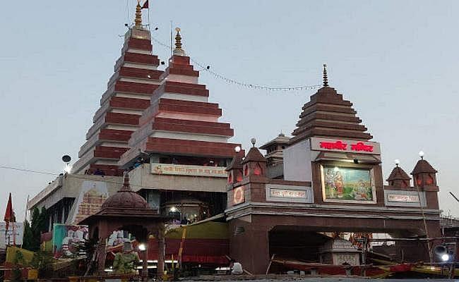 कड़े पहरे के बीच पटना महावीर मंदिर पहुंचे राष्ट्रपति रामनाथ कोविंद, पत्नी और बेटी के साथ की पूजा-अर्चना