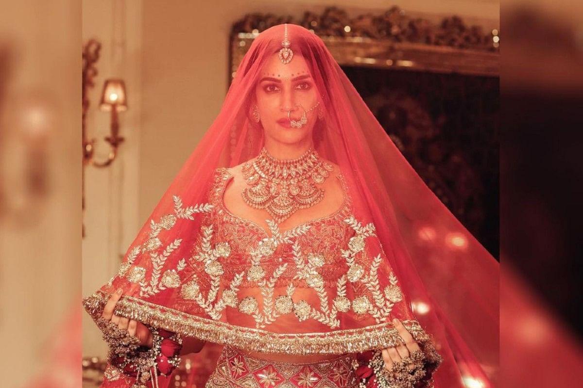 Kriti Sanon बनीं दुल्हनिया, ब्राइडल लहंगे में 'परम सुंदरी' लगीं Mimi, नजरे नहीं हटा पाएंगे आप