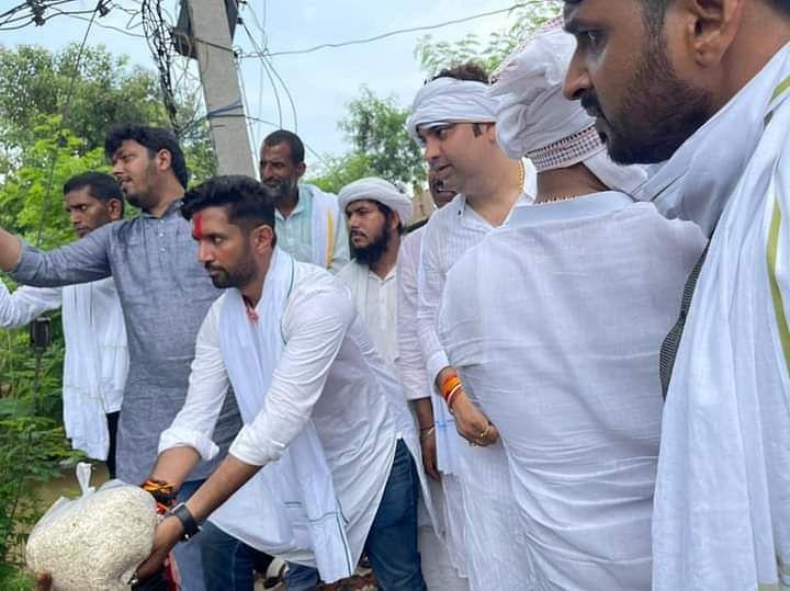हाजीपुर में चाचा पशुपति पारस की घेराबंदी में जुटे चिराग पासवान? राघोपुर पहुंच बाढ़ पीड़ितों का जाना हाल
