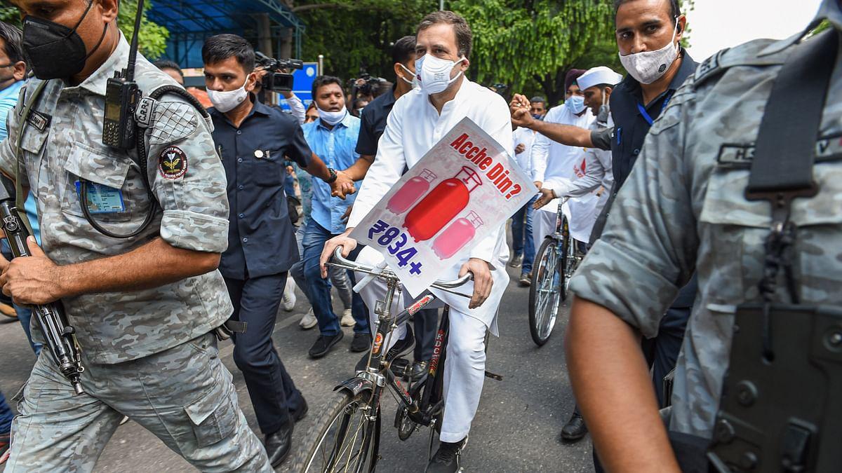 Rahul Gandhi : गैस सिलेंडर साइकिल पर लेकर संसद पहुंचे राहुल गांधी!