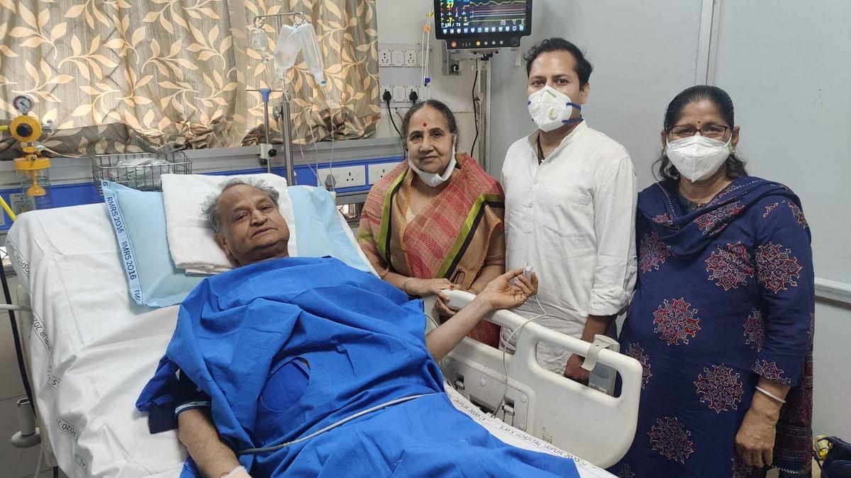 सीएम अशोक गहलोत की तबीयत बिगड़ी, जयपुर के SMS अस्पताल में हुए भर्ती, सचिन पायलट ने किया ट्वीट