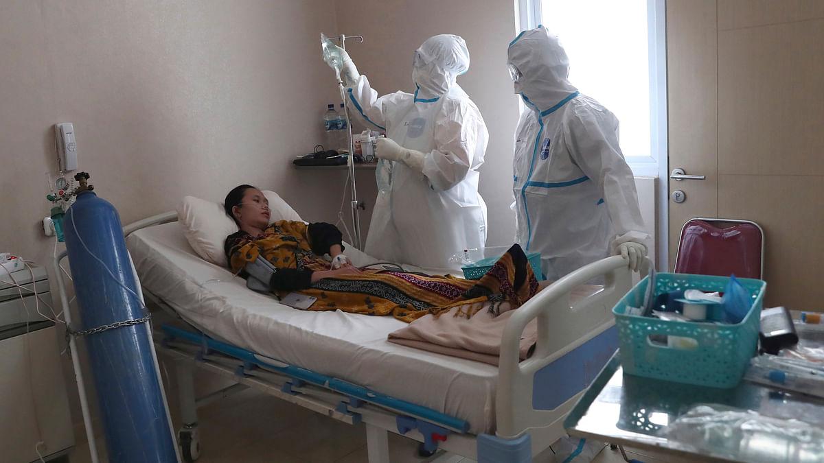 UP Coronavirus Updates : कोरोना मरीज की मौत के बाद सोने की चूड़ियां हुई गायब, डॉक्टर पर गिरी गाज