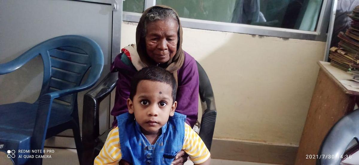 मां-पिता की मौत के बाद कुपोषित पोते के दूध के लिए दादी ने रख दी थी जमीन गिरवी, अब खुद करेंगी परवरिश