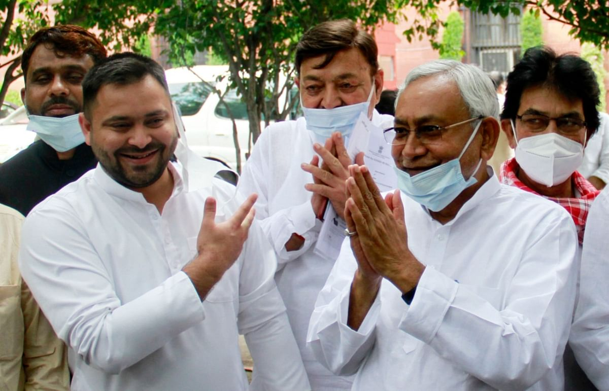 PM Modi ने तेजस्वी से पूछा 'बीमार' लालू यादव का हालचाल, मुकेश सहनी ने चांदी की मछली भेंट कर कही ये बात
