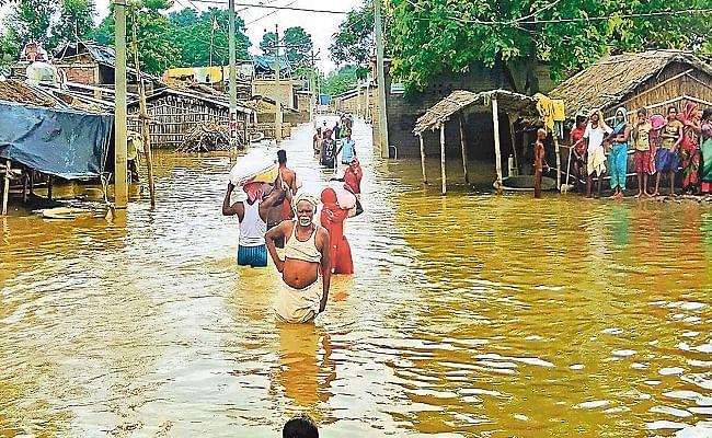 बिहार: बाढ़ का पानी उतरने के साथ ही बढ़ने लगे डायरिया के मामले, महामारी से लड़ने की तैयारी में जुटी सरकार
