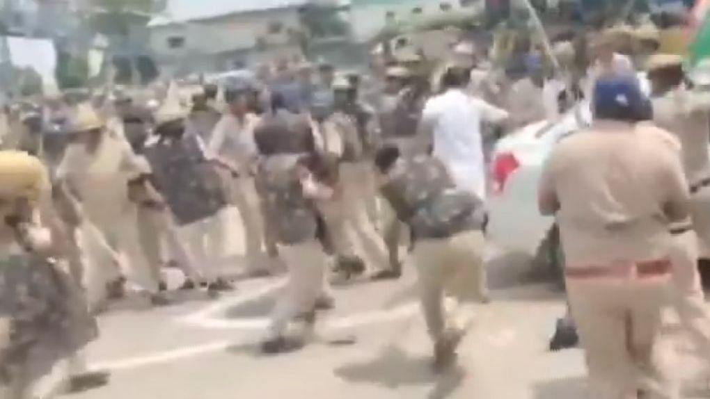 हरियाणा: करनाल में प्रदर्शन कर रहे किसानों पर लाठीचार्ज, कई घायल, जानें क्या बोले मुख्यमंत्री मनोहर लाल खट्टर